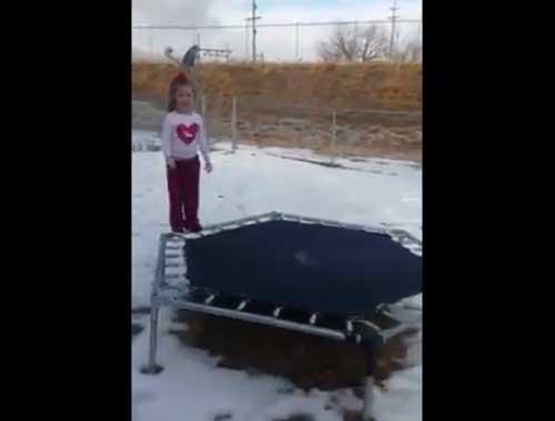Donmuş tramboline atlayınca…