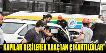 Yolcu Otobüsüne Çarptı Araç İçinde Sıkıştılar